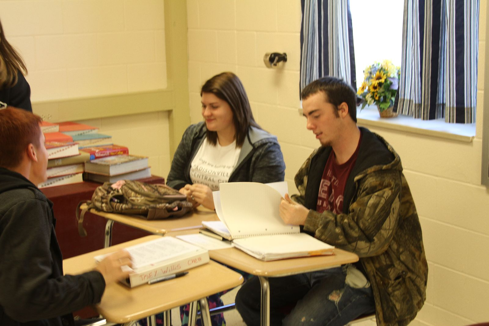 Students Enjoy Literature Circles In English Class Mclean County